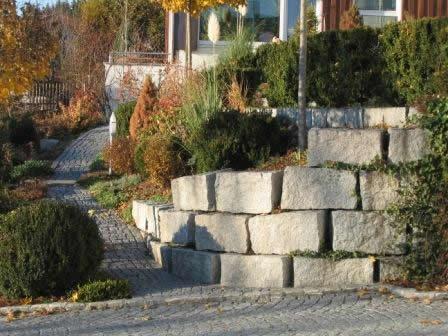 Böschungssteine aus Granit